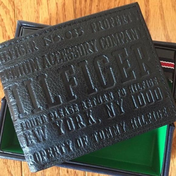 Tommy Hilfiger Men/'s Billfold Wallet Bi-fold Genuine Leather New in box